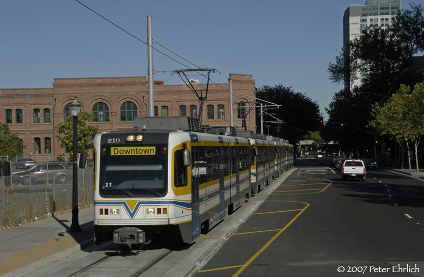 (164k, 864x564)<br><b>Country:</b> United States<br><b>City:</b> Sacramento, CA<br><b>System:</b> SACRT Light Rail<br><b>Location:</b> Sacramento Valley Station (Amtrak) <br><b>Car:</b> Sacramento CAF LRV  210 <br><b>Photo by:</b> Peter Ehrlich<br><b>Date:</b> 8/20/2007<br><b>Notes:</b> Approaching Sacramento Valley Station (Amtrak Station).<br><b>Viewed (this week/total):</b> 0 / 762