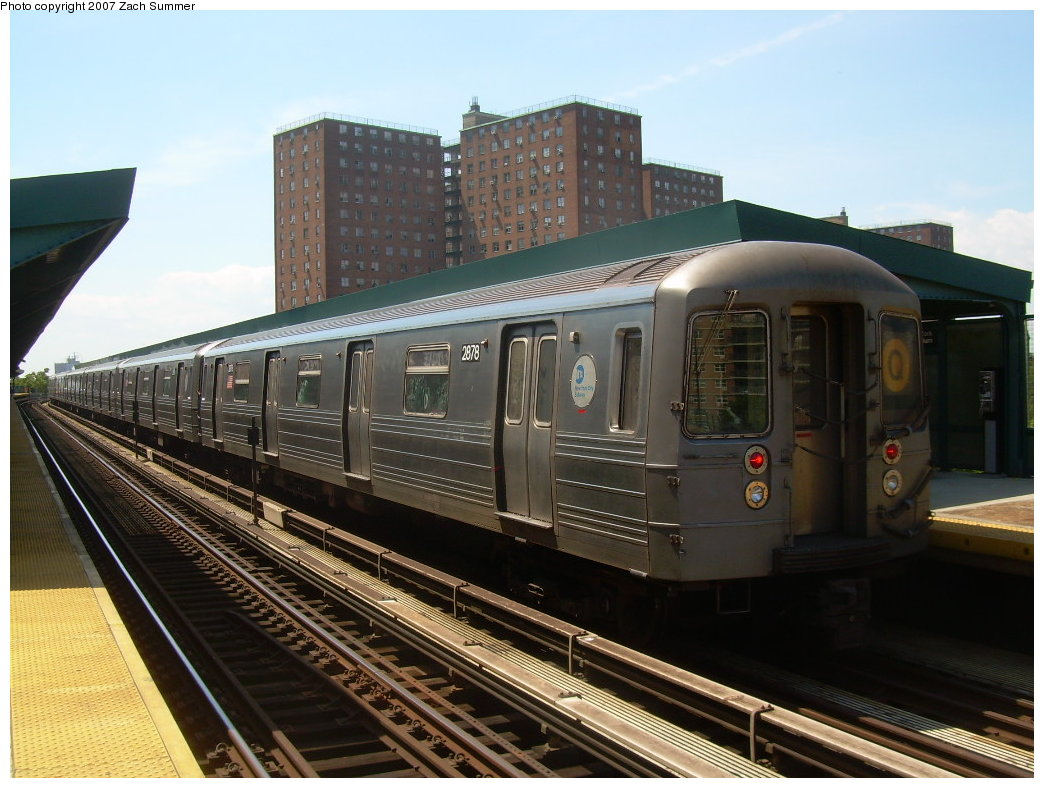 (207k, 1044x788)<br><b>Country:</b> United States<br><b>City:</b> New York<br><b>System:</b> New York City Transit<br><b>Line:</b> BMT Brighton Line<br><b>Location:</b> West 8th Street <br><b>Route:</b> Q<br><b>Car:</b> R-68 (Westinghouse-Amrail, 1986-1988)  2878 <br><b>Photo by:</b> Zach Summer<br><b>Date:</b> 8/12/2007<br><b>Viewed (this week/total):</b> 3 / 1008
