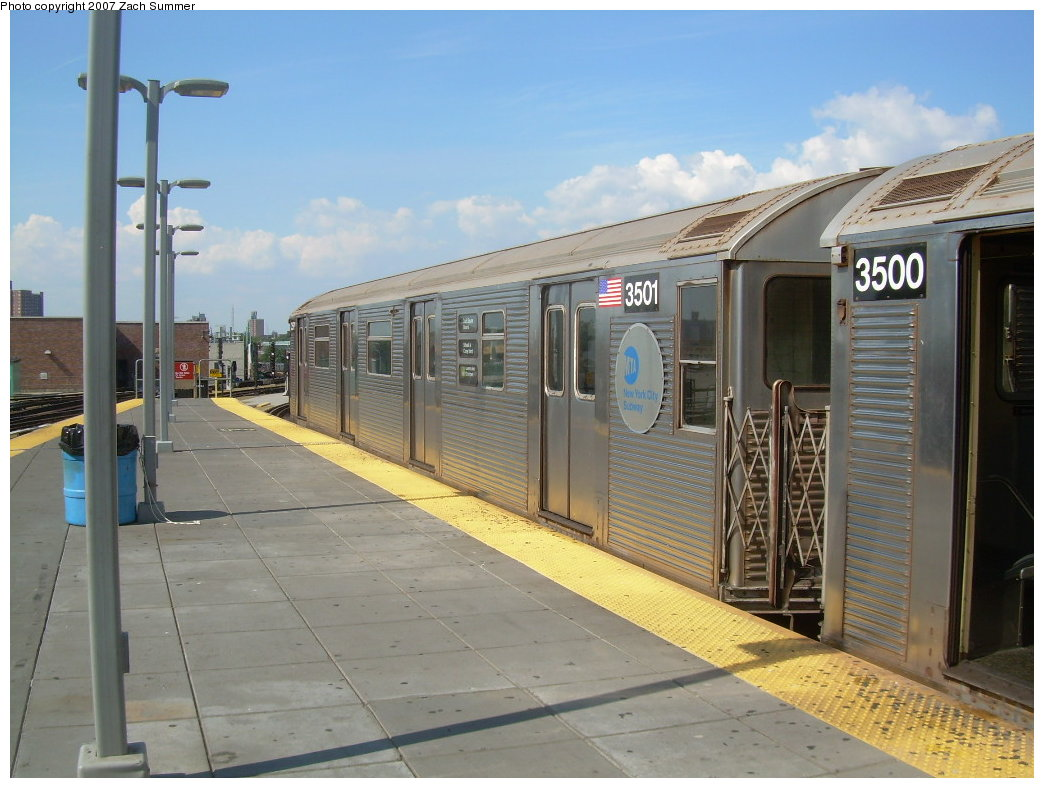 (197k, 1044x788)<br><b>Country:</b> United States<br><b>City:</b> New York<br><b>System:</b> New York City Transit<br><b>Location:</b> Coney Island/Stillwell Avenue<br><b>Route:</b> G<br><b>Car:</b> R-32 (Budd, 1964)  3501 <br><b>Photo by:</b> Zach Summer<br><b>Date:</b> 8/12/2007<br><b>Viewed (this week/total):</b> 3 / 1459