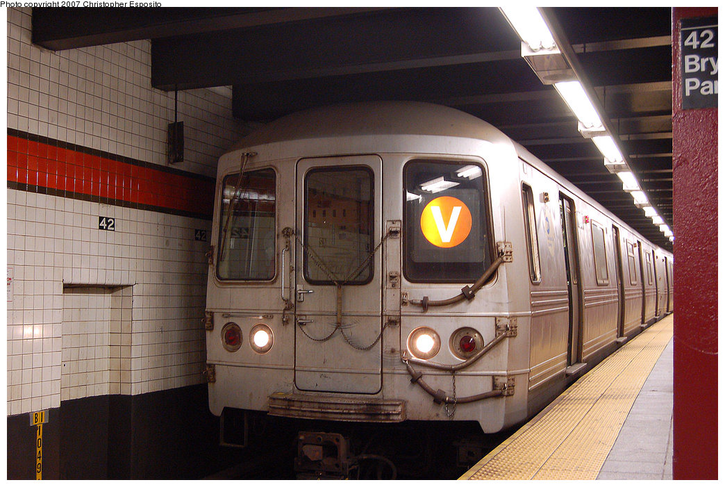 (222k, 1044x701)<br><b>Country:</b> United States<br><b>City:</b> New York<br><b>System:</b> New York City Transit<br><b>Line:</b> IND 6th Avenue Line<br><b>Location:</b> 42nd Street/Bryant Park <br><b>Route:</b> V<br><b>Car:</b> R-46 (Pullman-Standard, 1974-75)  <br><b>Photo by:</b> Christopher Esposito<br><b>Date:</b> 8/22/2007<br><b>Viewed (this week/total):</b> 10 / 2388