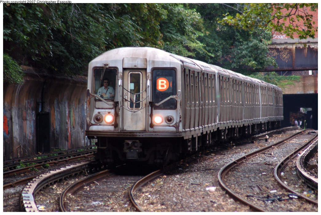(241k, 1044x701)<br><b>Country:</b> United States<br><b>City:</b> New York<br><b>System:</b> New York City Transit<br><b>Line:</b> BMT Brighton Line<br><b>Location:</b> Beverley Road <br><b>Route:</b> B<br><b>Car:</b> R-40 (St. Louis, 1968)   <br><b>Photo by:</b> Christopher Esposito<br><b>Date:</b> 8/22/2007<br><b>Viewed (this week/total):</b> 1 / 1833
