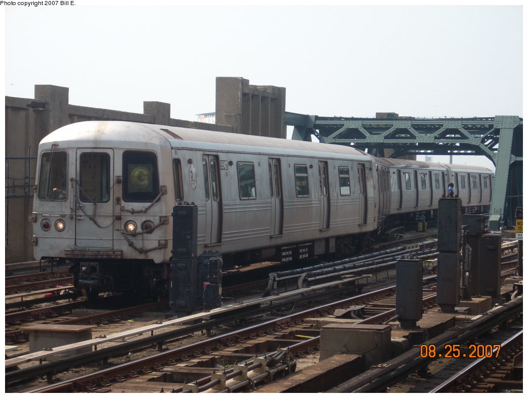 (177k, 1044x788)<br><b>Country:</b> United States<br><b>City:</b> New York<br><b>System:</b> New York City Transit<br><b>Line:</b> IND Crosstown Line<br><b>Location:</b> 4th Avenue <br><b>Route:</b> G<br><b>Car:</b> R-46 (Pullman-Standard, 1974-75) 5542 <br><b>Photo by:</b> Bill E.<br><b>Date:</b> 8/25/2007<br><b>Viewed (this week/total):</b> 1 / 1544