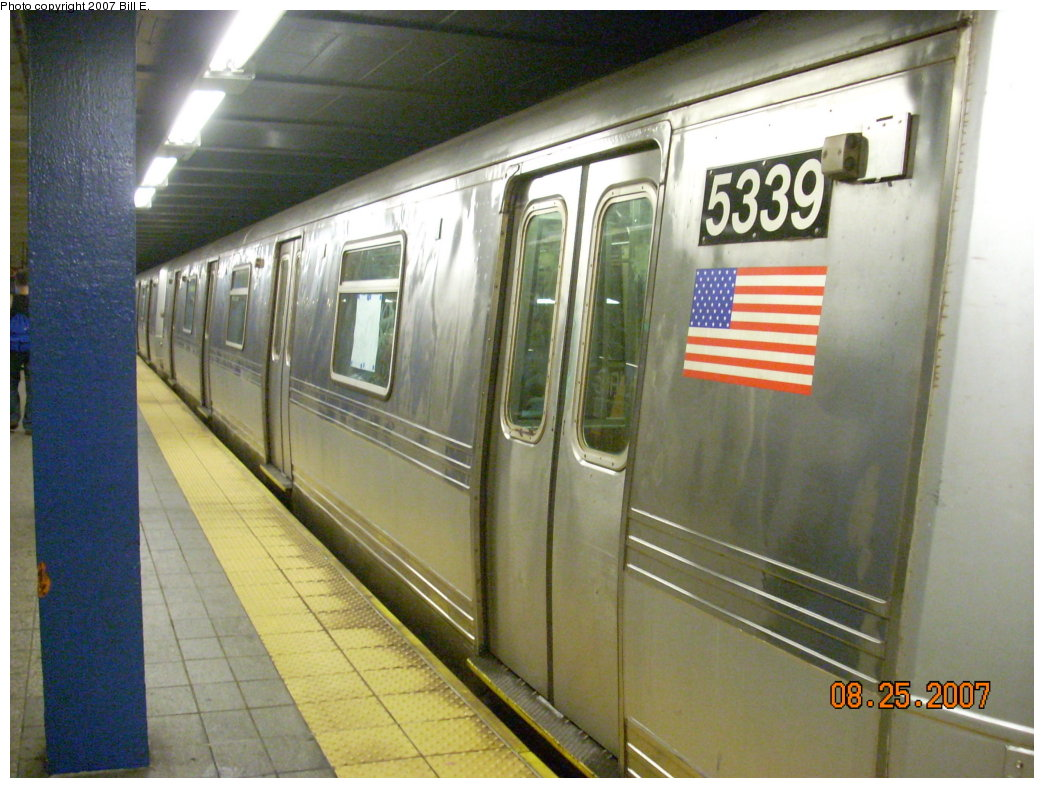 (204k, 1044x788)<br><b>Country:</b> United States<br><b>City:</b> New York<br><b>System:</b> New York City Transit<br><b>Line:</b> IND Fulton Street Line<br><b>Location:</b> Broadway/East New York (Broadway Junction) <br><b>Route:</b> A<br><b>Car:</b> R-44 (St. Louis, 1971-73) 5339 <br><b>Photo by:</b> Bill E.<br><b>Date:</b> 8/25/2007<br><b>Viewed (this week/total):</b> 1 / 1405