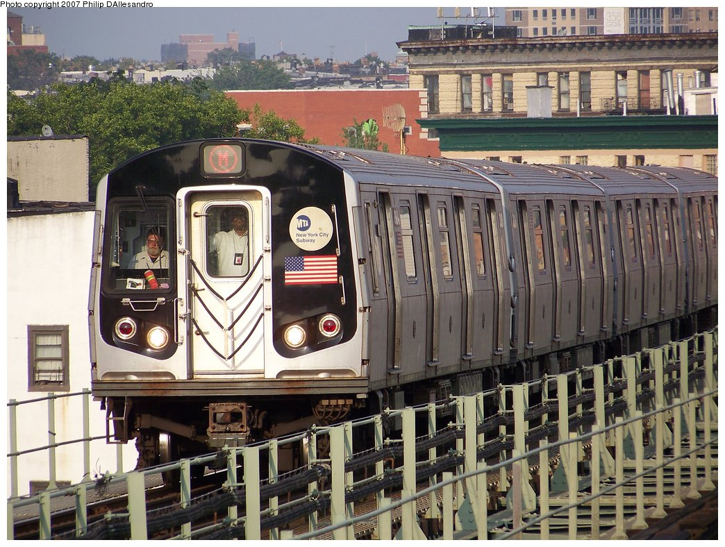 (243k, 1044x788)<br><b>Country:</b> United States<br><b>City:</b> New York<br><b>System:</b> New York City Transit<br><b>Line:</b> BMT Myrtle Avenue Line<br><b>Location:</b> Central Avenue <br><b>Route:</b> M<br><b>Car:</b> R-143 (Kawasaki, 2001-2002) 8184 <br><b>Photo by:</b> Philip D'Allesandro<br><b>Date:</b> 8/25/2007<br><b>Viewed (this week/total):</b> 2 / 1690