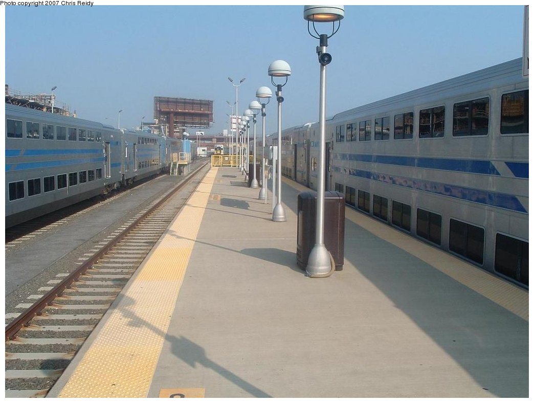 (142k, 1044x788)<br><b>Country:</b> United States<br><b>City:</b> New York<br><b>System:</b> Long Island Rail Road<br><b>Line:</b> LIRR Long Island City<br><b>Location:</b> Long Island City <br><b>Photo by:</b> Chris Reidy<br><b>Date:</b> 8/24/2007<br><b>Viewed (this week/total):</b> 2 / 1812