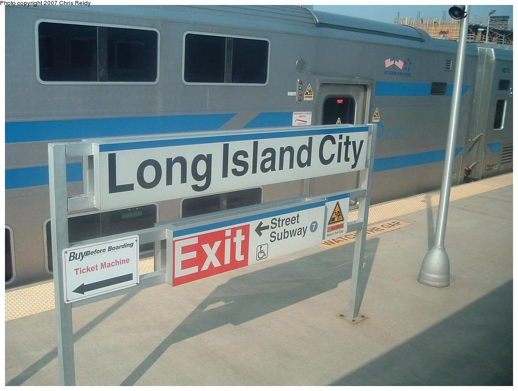 (143k, 1044x788)<br><b>Country:</b> United States<br><b>City:</b> New York<br><b>System:</b> Long Island Rail Road<br><b>Line:</b> LIRR Long Island City<br><b>Location:</b> Long Island City <br><b>Photo by:</b> Chris Reidy<br><b>Date:</b> 8/24/2007<br><b>Viewed (this week/total):</b> 0 / 1817