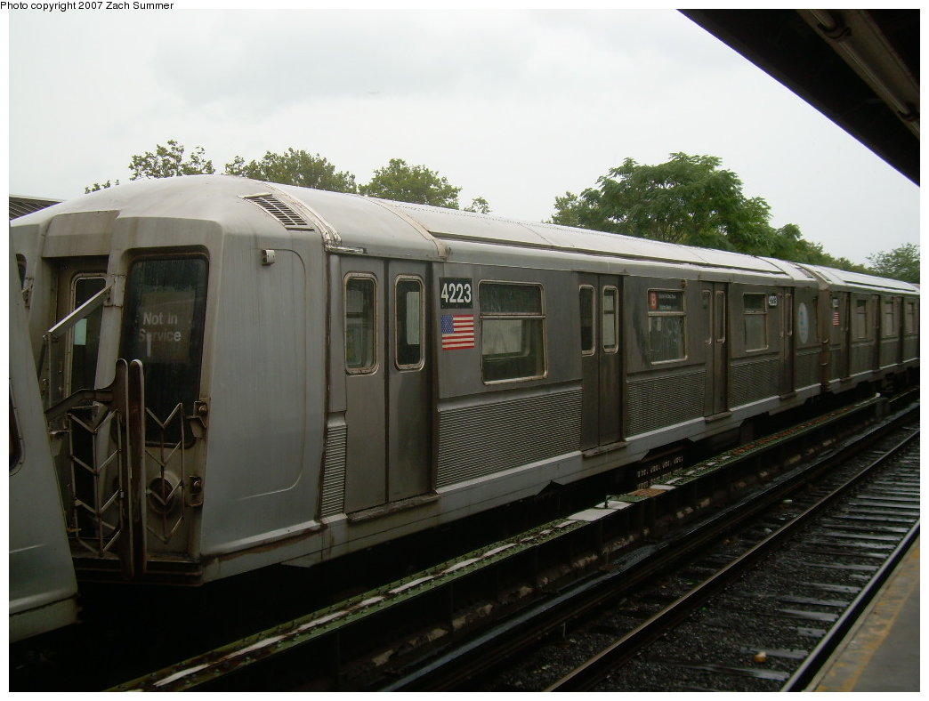 (177k, 1044x788)<br><b>Country:</b> United States<br><b>City:</b> New York<br><b>System:</b> New York City Transit<br><b>Line:</b> BMT Brighton Line<br><b>Location:</b> Neck Road <br><b>Car:</b> R-40 (St. Louis, 1968)  4223 <br><b>Photo by:</b> Zach Summer<br><b>Date:</b> 8/19/2007<br><b>Notes:</b> Layup.<br><b>Viewed (this week/total):</b> 0 / 1196