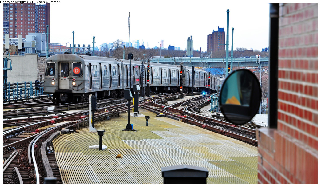 (283k, 1044x608)<br><b>Country:</b> United States<br><b>City:</b> New York<br><b>System:</b> New York City Transit<br><b>Location:</b> Coney Island/Stillwell Avenue<br><b>Route:</b> D<br><b>Car:</b> R-68 (Westinghouse-Amrail, 1986-1988)  2610 <br><b>Photo by:</b> Zach Summer<br><b>Date:</b> 3/10/2010<br><b>Viewed (this week/total):</b> 0 / 968