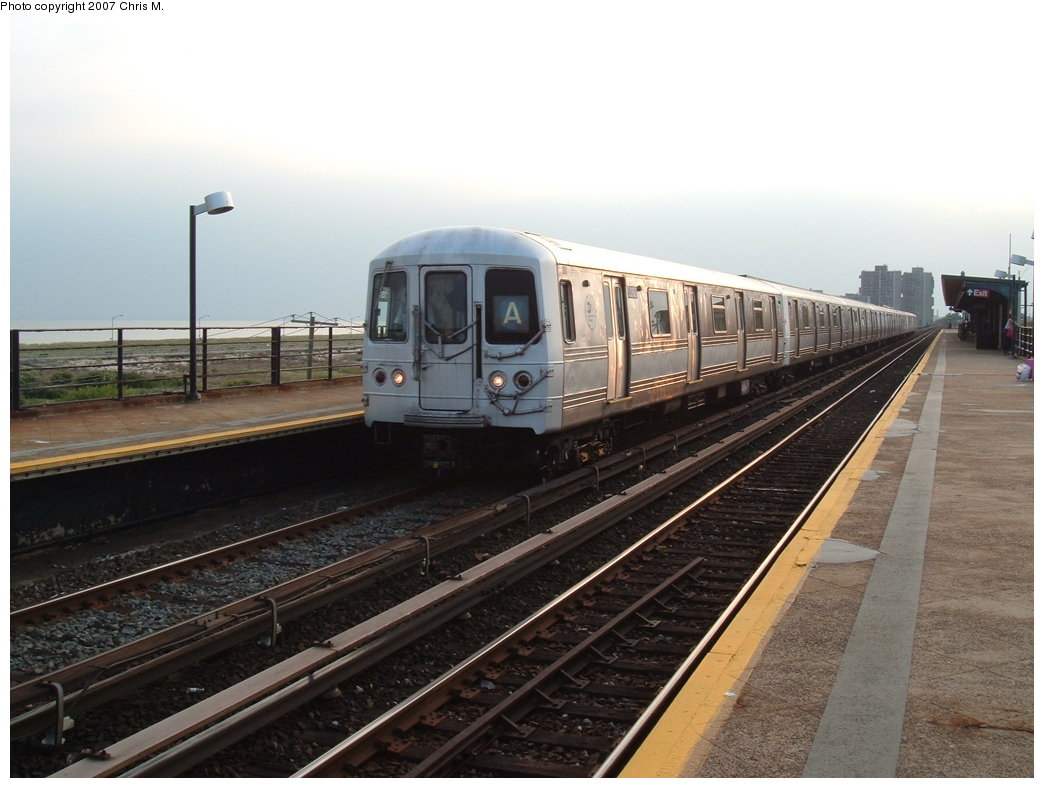 (156k, 1044x788)<br><b>Country:</b> United States<br><b>City:</b> New York<br><b>System:</b> New York City Transit<br><b>Line:</b> IND Rockaway<br><b>Location:</b> Beach 44th Street/Frank Avenue <br><b>Route:</b> A<br><b>Car:</b> R-44 (St. Louis, 1971-73) 5268 <br><b>Photo by:</b> Chris M.<br><b>Date:</b> 8/31/2007<br><b>Viewed (this week/total):</b> 4 / 1713