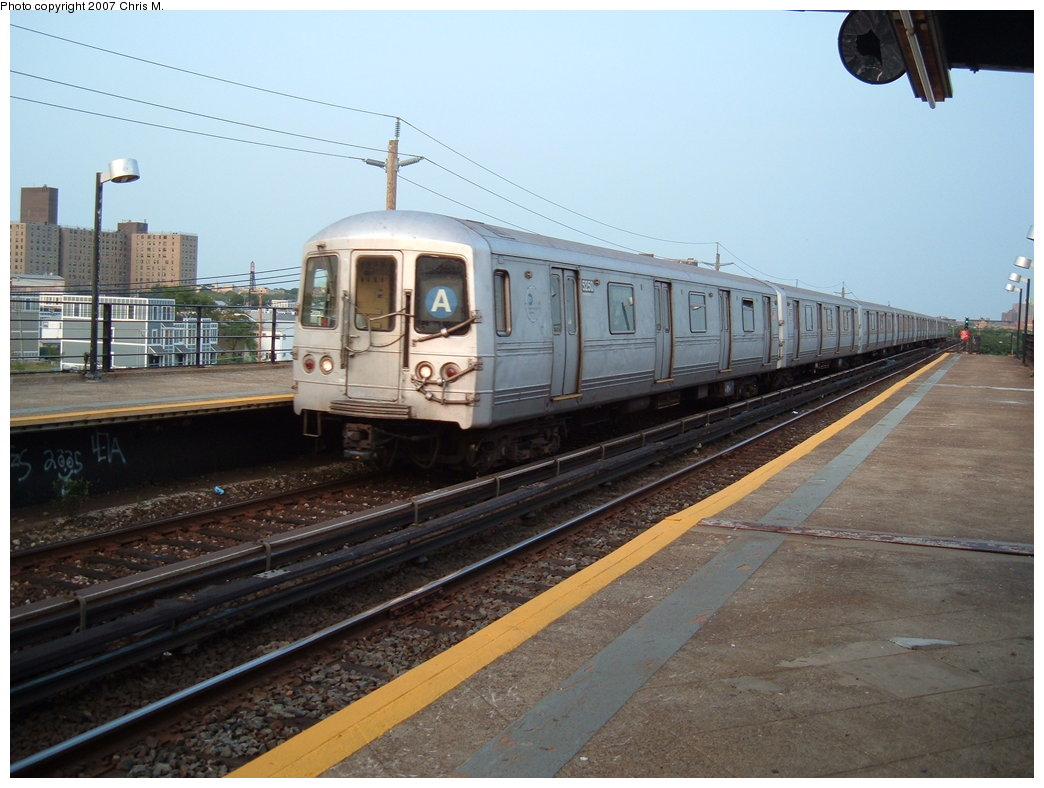 (168k, 1044x788)<br><b>Country:</b> United States<br><b>City:</b> New York<br><b>System:</b> New York City Transit<br><b>Line:</b> IND Rockaway<br><b>Location:</b> Beach 44th Street/Frank Avenue <br><b>Route:</b> A<br><b>Car:</b> R-44 (St. Louis, 1971-73) 5250 <br><b>Photo by:</b> Chris M.<br><b>Date:</b> 8/31/2007<br><b>Viewed (this week/total):</b> 0 / 1362