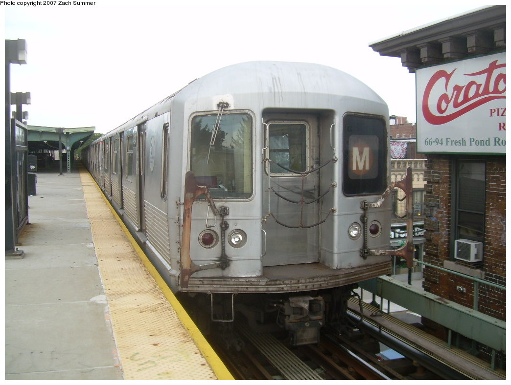 (186k, 1044x788)<br><b>Country:</b> United States<br><b>City:</b> New York<br><b>System:</b> New York City Transit<br><b>Line:</b> BMT Myrtle Avenue Line<br><b>Location:</b> Fresh Pond Road <br><b>Route:</b> M<br><b>Car:</b> R-42 (St. Louis, 1969-1970)  4904 <br><b>Photo by:</b> Zach Summer<br><b>Date:</b> 8/28/2007<br><b>Viewed (this week/total):</b> 2 / 1042