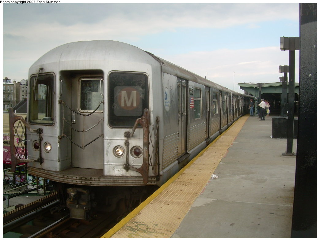 (172k, 1044x788)<br><b>Country:</b> United States<br><b>City:</b> New York<br><b>System:</b> New York City Transit<br><b>Line:</b> BMT Myrtle Avenue Line<br><b>Location:</b> Fresh Pond Road <br><b>Route:</b> M<br><b>Car:</b> R-42 (St. Louis, 1969-1970)  4693 <br><b>Photo by:</b> Zach Summer<br><b>Date:</b> 8/28/2007<br><b>Viewed (this week/total):</b> 5 / 996