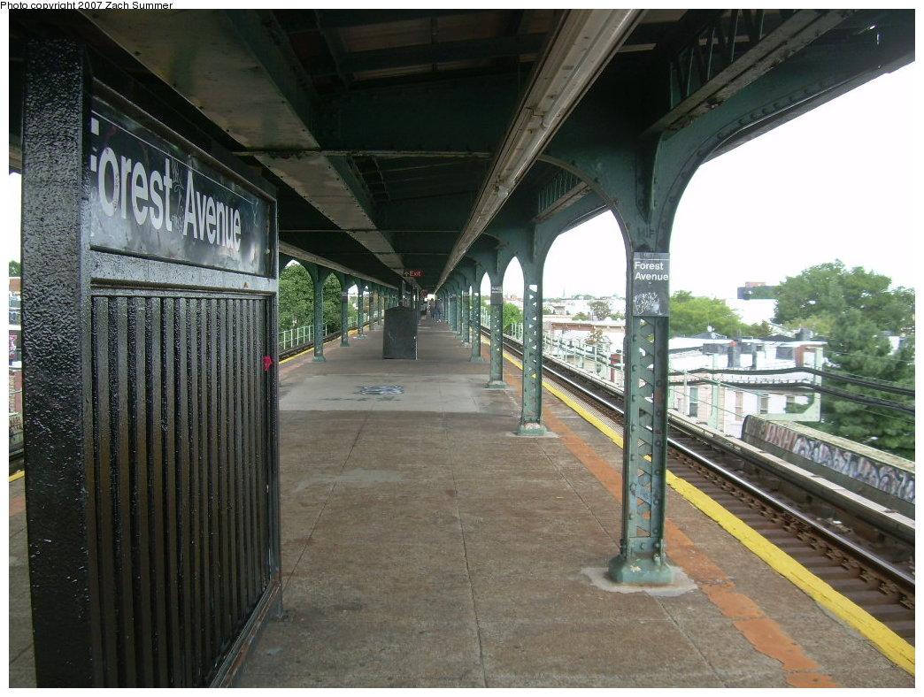 (225k, 1044x788)<br><b>Country:</b> United States<br><b>City:</b> New York<br><b>System:</b> New York City Transit<br><b>Line:</b> BMT Myrtle Avenue Line<br><b>Location:</b> Forest Avenue <br><b>Photo by:</b> Zach Summer<br><b>Date:</b> 8/28/2007<br><b>Notes:</b> Station view.<br><b>Viewed (this week/total):</b> 0 / 1177