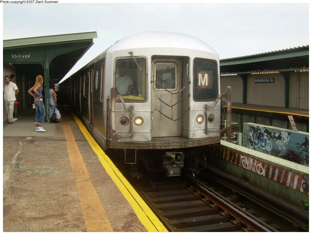 (200k, 1044x788)<br><b>Country:</b> United States<br><b>City:</b> New York<br><b>System:</b> New York City Transit<br><b>Line:</b> BMT Myrtle Avenue Line<br><b>Location:</b> Knickerbocker Avenue <br><b>Route:</b> M<br><b>Car:</b> R-42 (St. Louis, 1969-1970)   <br><b>Photo by:</b> Zach Summer<br><b>Date:</b> 8/28/2007<br><b>Viewed (this week/total):</b> 0 / 1751