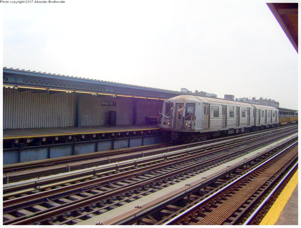 (505k, 1044x791)<br><b>Country:</b> United States<br><b>City:</b> New York<br><b>System:</b> New York City Transit<br><b>Line:</b> BMT Culver Line<br><b>Location:</b> Ditmas Avenue <br><b>Route:</b> Work Service<br><b>Car:</b> R-33 Main Line (St. Louis, 1962-63) 4235 <br><b>Photo by:</b> Aliandro Brathwaite<br><b>Date:</b> 8/30/2007<br><b>Viewed (this week/total):</b> 0 / 2005