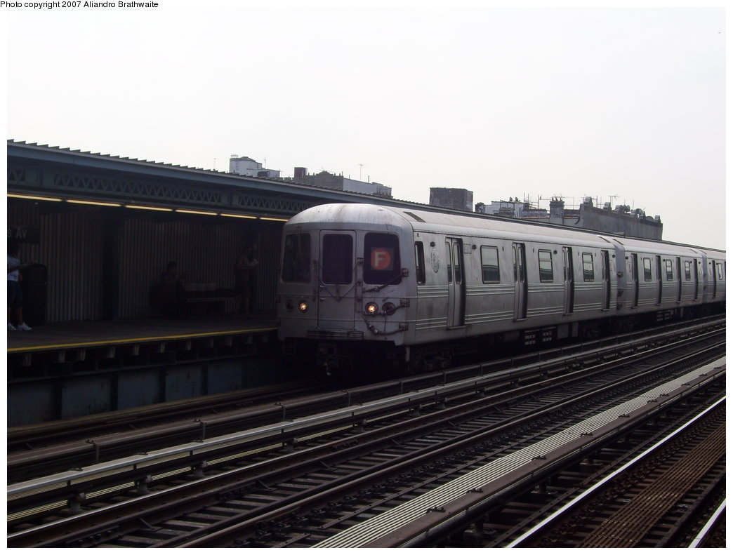 (147k, 1044x791)<br><b>Country:</b> United States<br><b>City:</b> New York<br><b>System:</b> New York City Transit<br><b>Line:</b> BMT Culver Line<br><b>Location:</b> Ditmas Avenue <br><b>Route:</b> F<br><b>Car:</b> R-46 (Pullman-Standard, 1974-75) 6170 <br><b>Photo by:</b> Aliandro Brathwaite<br><b>Date:</b> 8/30/2007<br><b>Viewed (this week/total):</b> 0 / 1236