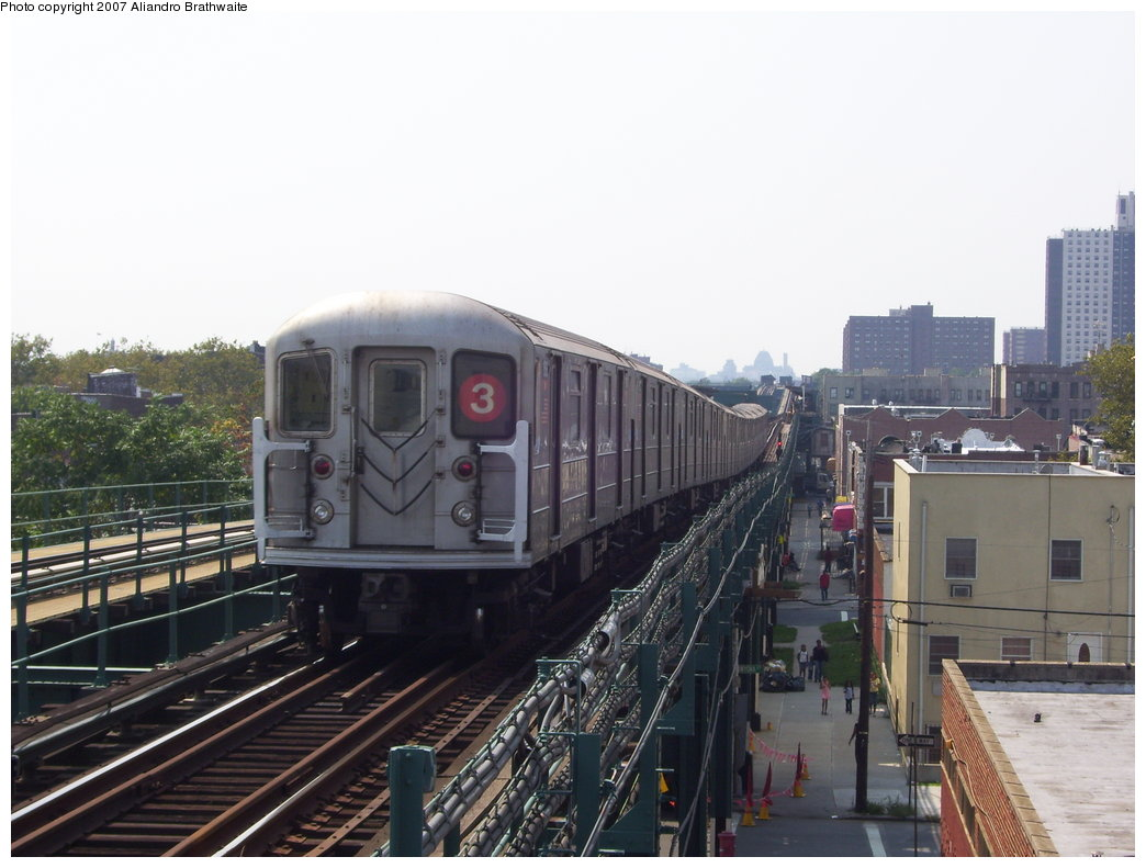 (164k, 1044x791)<br><b>Country:</b> United States<br><b>City:</b> New York<br><b>System:</b> New York City Transit<br><b>Line:</b> IRT Brooklyn Line<br><b>Location:</b> Van Siclen Avenue <br><b>Route:</b> 3<br><b>Car:</b> R-62 (Kawasaki, 1983-1985)  1301 <br><b>Photo by:</b> Aliandro Brathwaite<br><b>Date:</b> 8/30/2007<br><b>Viewed (this week/total):</b> 1 / 1516