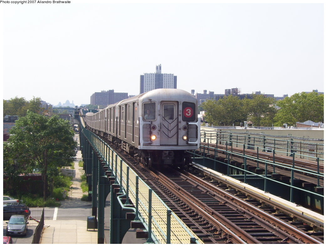 (201k, 1044x791)<br><b>Country:</b> United States<br><b>City:</b> New York<br><b>System:</b> New York City Transit<br><b>Line:</b> IRT Brooklyn Line<br><b>Location:</b> Van Siclen Avenue <br><b>Route:</b> 3<br><b>Car:</b> R-62 (Kawasaki, 1983-1985)  1385 <br><b>Photo by:</b> Aliandro Brathwaite<br><b>Date:</b> 8/30/2007<br><b>Viewed (this week/total):</b> 2 / 1734