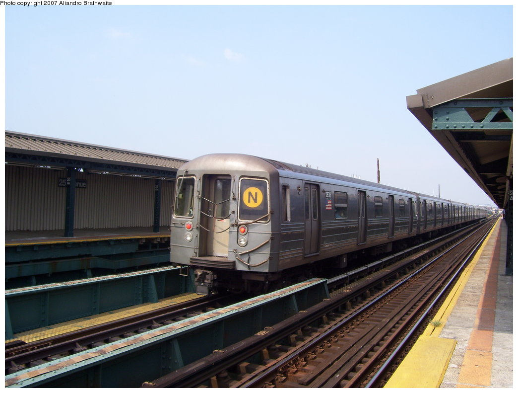 (160k, 1044x791)<br><b>Country:</b> United States<br><b>City:</b> New York<br><b>System:</b> New York City Transit<br><b>Line:</b> BMT West End Line<br><b>Location:</b> 25th Avenue <br><b>Route:</b> D<br><b>Car:</b> R-68 (Westinghouse-Amrail, 1986-1988)  2878 <br><b>Photo by:</b> Aliandro Brathwaite<br><b>Date:</b> 8/30/2007<br><b>Viewed (this week/total):</b> 6 / 1595
