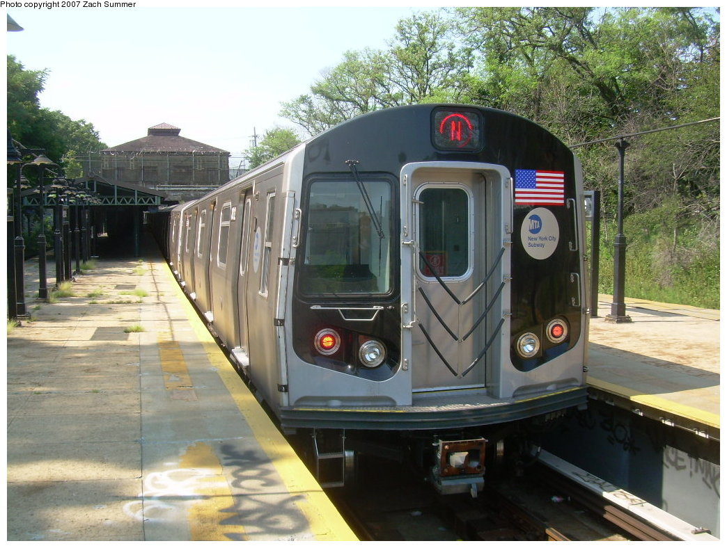 (241k, 1044x788)<br><b>Country:</b> United States<br><b>City:</b> New York<br><b>System:</b> New York City Transit<br><b>Line:</b> BMT West End Line<br><b>Location:</b> 9th Avenue <br><b>Route:</b> N<br><b>Car:</b> R-160B (Kawasaki, 2005-2008)  8812 <br><b>Photo by:</b> Zach Summer<br><b>Date:</b> 8/29/2007<br><b>Notes:</b> Reroute via West End.<br><b>Viewed (this week/total):</b> 3 / 2244