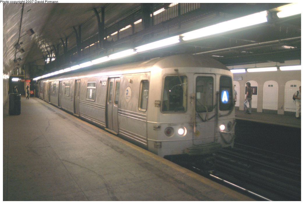 (177k, 1044x701)<br><b>Country:</b> United States<br><b>City:</b> New York<br><b>System:</b> New York City Transit<br><b>Line:</b> IND 8th Avenue Line<br><b>Location:</b> 181st Street <br><b>Route:</b> A<br><b>Car:</b> R-44 (St. Louis, 1971-73) 5428 <br><b>Photo by:</b> David Pirmann<br><b>Date:</b> 9/10/2007<br><b>Viewed (this week/total):</b> 1 / 2176