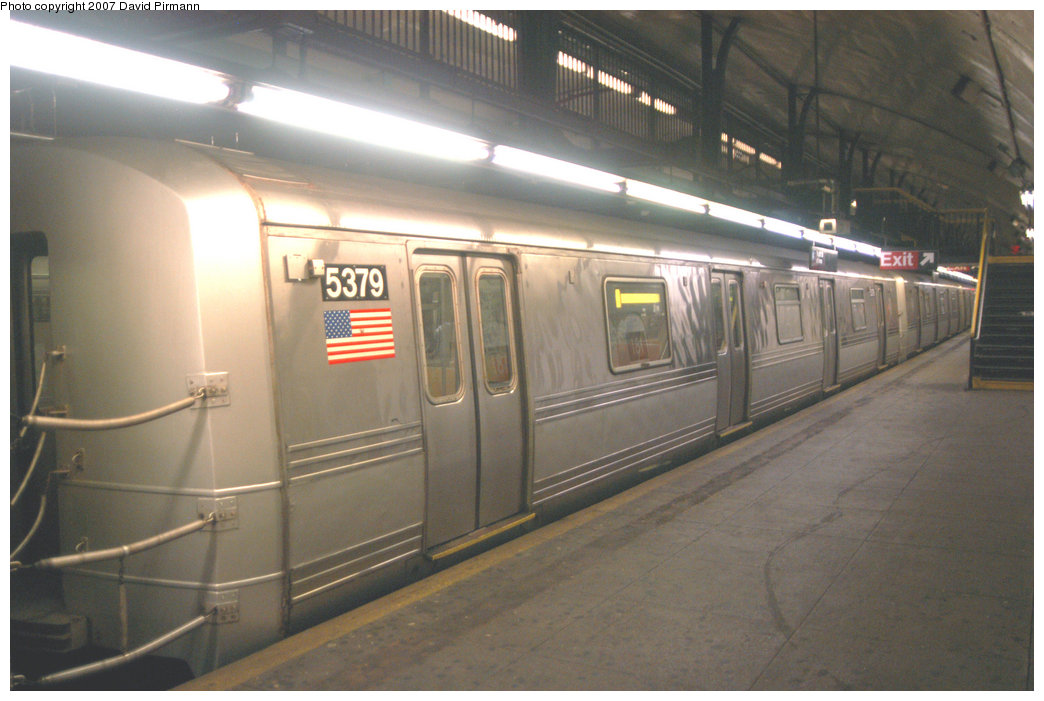 (184k, 1044x701)<br><b>Country:</b> United States<br><b>City:</b> New York<br><b>System:</b> New York City Transit<br><b>Line:</b> IND 8th Avenue Line<br><b>Location:</b> 181st Street <br><b>Route:</b> A<br><b>Car:</b> R-44 (St. Louis, 1971-73) 5379 <br><b>Photo by:</b> David Pirmann<br><b>Date:</b> 9/10/2007<br><b>Viewed (this week/total):</b> 1 / 1688