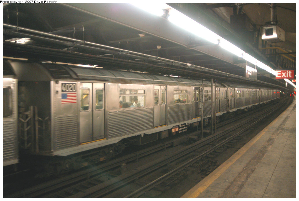 (183k, 1044x701)<br><b>Country:</b> United States<br><b>City:</b> New York<br><b>System:</b> New York City Transit<br><b>Line:</b> IND 8th Avenue Line<br><b>Location:</b> 181st Street <br><b>Route:</b> A<br><b>Car:</b> R-38 (St. Louis, 1966-1967)  4020 <br><b>Photo by:</b> David Pirmann<br><b>Date:</b> 9/10/2007<br><b>Viewed (this week/total):</b> 5 / 2118