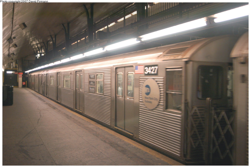 (180k, 1044x701)<br><b>Country:</b> United States<br><b>City:</b> New York<br><b>System:</b> New York City Transit<br><b>Line:</b> IND 8th Avenue Line<br><b>Location:</b> 181st Street <br><b>Route:</b> A<br><b>Car:</b> R-32 (Budd, 1964)  3427 <br><b>Photo by:</b> David Pirmann<br><b>Date:</b> 9/10/2007<br><b>Viewed (this week/total):</b> 3 / 1933