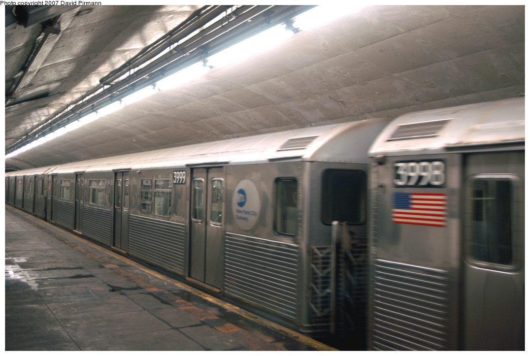 (194k, 1044x701)<br><b>Country:</b> United States<br><b>City:</b> New York<br><b>System:</b> New York City Transit<br><b>Line:</b> IND 8th Avenue Line<br><b>Location:</b> 190th Street/Overlook Terrace <br><b>Route:</b> A<br><b>Car:</b> R-38 (St. Louis, 1966-1967)  3999 <br><b>Photo by:</b> David Pirmann<br><b>Date:</b> 9/10/2007<br><b>Viewed (this week/total):</b> 0 / 2197