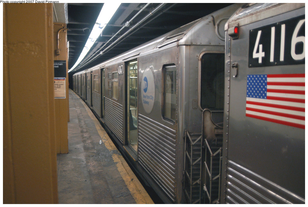 (197k, 1044x701)<br><b>Country:</b> United States<br><b>City:</b> New York<br><b>System:</b> New York City Transit<br><b>Line:</b> IND 8th Avenue Line<br><b>Location:</b> Dyckman Street/200th Street <br><b>Route:</b> A<br><b>Car:</b> R-38 (St. Louis, 1966-1967)  4047 <br><b>Photo by:</b> David Pirmann<br><b>Date:</b> 9/10/2007<br><b>Viewed (this week/total):</b> 1 / 1711