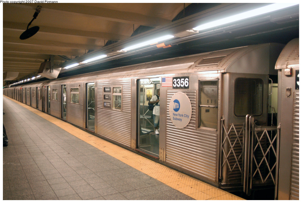 (217k, 1044x701)<br><b>Country:</b> United States<br><b>City:</b> New York<br><b>System:</b> New York City Transit<br><b>Line:</b> IND 8th Avenue Line<br><b>Location:</b> 207th Street <br><b>Route:</b> A<br><b>Car:</b> R-32 (Budd, 1964)  3356 <br><b>Photo by:</b> David Pirmann<br><b>Date:</b> 9/10/2007<br><b>Viewed (this week/total):</b> 4 / 1707