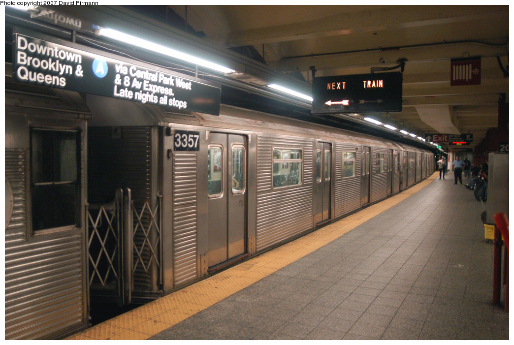 (212k, 1044x701)<br><b>Country:</b> United States<br><b>City:</b> New York<br><b>System:</b> New York City Transit<br><b>Line:</b> IND 8th Avenue Line<br><b>Location:</b> 207th Street <br><b>Route:</b> A<br><b>Car:</b> R-32 (Budd, 1964)  3357 <br><b>Photo by:</b> David Pirmann<br><b>Date:</b> 9/10/2007<br><b>Viewed (this week/total):</b> 3 / 1031