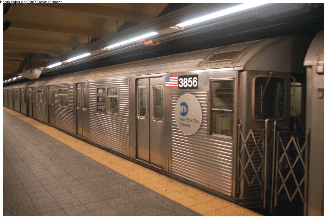 (192k, 1044x701)<br><b>Country:</b> United States<br><b>City:</b> New York<br><b>System:</b> New York City Transit<br><b>Line:</b> IND 8th Avenue Line<br><b>Location:</b> 207th Street <br><b>Route:</b> A<br><b>Car:</b> R-32 (Budd, 1964)  3856 <br><b>Photo by:</b> David Pirmann<br><b>Date:</b> 9/10/2007<br><b>Viewed (this week/total):</b> 1 / 1212