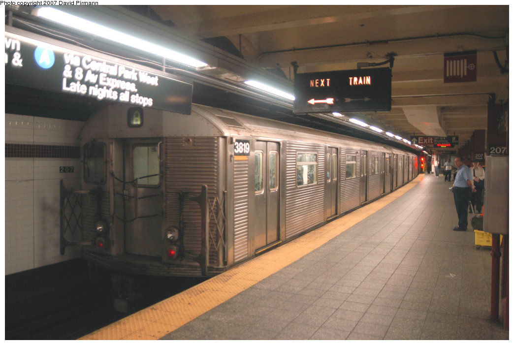(186k, 1044x701)<br><b>Country:</b> United States<br><b>City:</b> New York<br><b>System:</b> New York City Transit<br><b>Line:</b> IND 8th Avenue Line<br><b>Location:</b> 207th Street <br><b>Route:</b> A<br><b>Car:</b> R-32 (Budd, 1964)  3819 <br><b>Photo by:</b> David Pirmann<br><b>Date:</b> 9/10/2007<br><b>Viewed (this week/total):</b> 3 / 1136