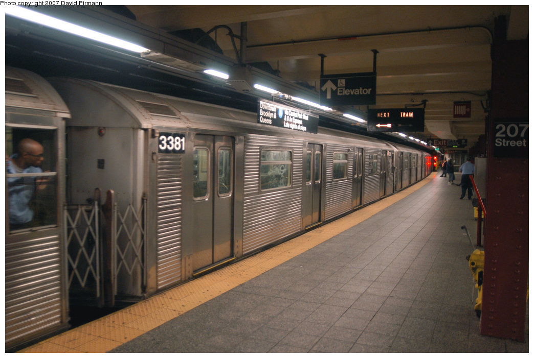 (193k, 1044x701)<br><b>Country:</b> United States<br><b>City:</b> New York<br><b>System:</b> New York City Transit<br><b>Line:</b> IND 8th Avenue Line<br><b>Location:</b> 207th Street <br><b>Route:</b> A<br><b>Car:</b> R-32 (Budd, 1964)  3381 <br><b>Photo by:</b> David Pirmann<br><b>Date:</b> 9/10/2007<br><b>Viewed (this week/total):</b> 0 / 1558