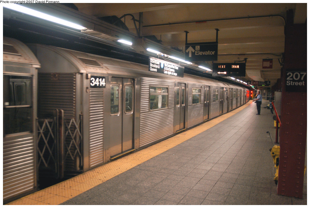 (205k, 1044x701)<br><b>Country:</b> United States<br><b>City:</b> New York<br><b>System:</b> New York City Transit<br><b>Line:</b> IND 8th Avenue Line<br><b>Location:</b> 207th Street <br><b>Route:</b> A<br><b>Car:</b> R-32 (Budd, 1964)  3414 <br><b>Photo by:</b> David Pirmann<br><b>Date:</b> 9/10/2007<br><b>Viewed (this week/total):</b> 0 / 776