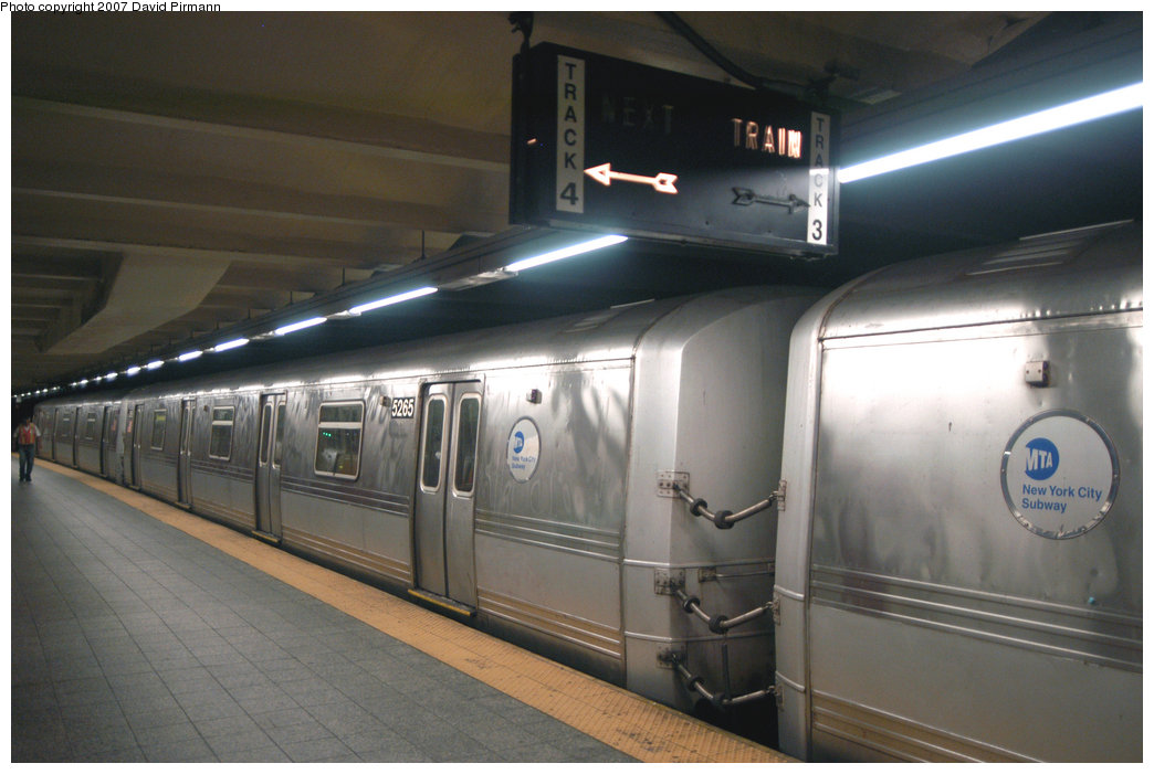 (173k, 1044x701)<br><b>Country:</b> United States<br><b>City:</b> New York<br><b>System:</b> New York City Transit<br><b>Line:</b> IND 8th Avenue Line<br><b>Location:</b> 207th Street <br><b>Route:</b> A<br><b>Car:</b> R-44 (St. Louis, 1971-73) 5265 <br><b>Photo by:</b> David Pirmann<br><b>Date:</b> 9/10/2007<br><b>Viewed (this week/total):</b> 3 / 1449
