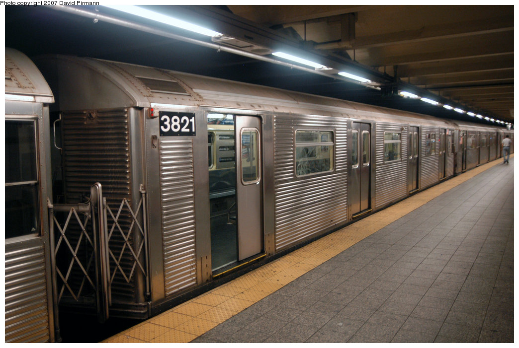 (212k, 1044x701)<br><b>Country:</b> United States<br><b>City:</b> New York<br><b>System:</b> New York City Transit<br><b>Line:</b> IND 8th Avenue Line<br><b>Location:</b> 207th Street <br><b>Route:</b> A<br><b>Car:</b> R-32 (Budd, 1964)  3821 <br><b>Photo by:</b> David Pirmann<br><b>Date:</b> 9/10/2007<br><b>Viewed (this week/total):</b> 3 / 1385
