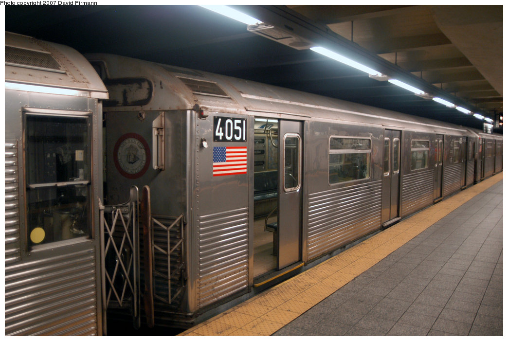 (204k, 1044x701)<br><b>Country:</b> United States<br><b>City:</b> New York<br><b>System:</b> New York City Transit<br><b>Line:</b> IND 8th Avenue Line<br><b>Location:</b> 207th Street <br><b>Route:</b> A<br><b>Car:</b> R-38 (St. Louis, 1966-1967)  4051 <br><b>Photo by:</b> David Pirmann<br><b>Date:</b> 9/10/2007<br><b>Viewed (this week/total):</b> 4 / 1929