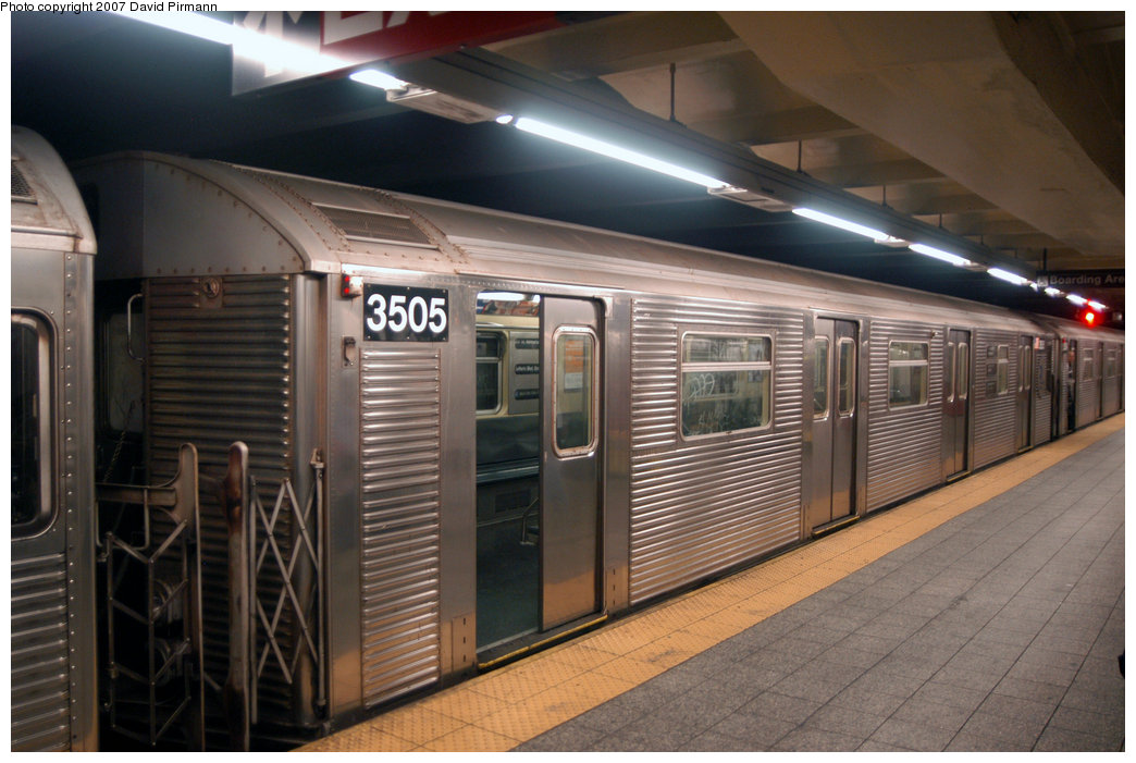 (204k, 1044x701)<br><b>Country:</b> United States<br><b>City:</b> New York<br><b>System:</b> New York City Transit<br><b>Line:</b> IND 8th Avenue Line<br><b>Location:</b> 207th Street <br><b>Route:</b> A<br><b>Car:</b> R-32 (Budd, 1964)  3505 <br><b>Photo by:</b> David Pirmann<br><b>Date:</b> 9/10/2007<br><b>Viewed (this week/total):</b> 1 / 1370