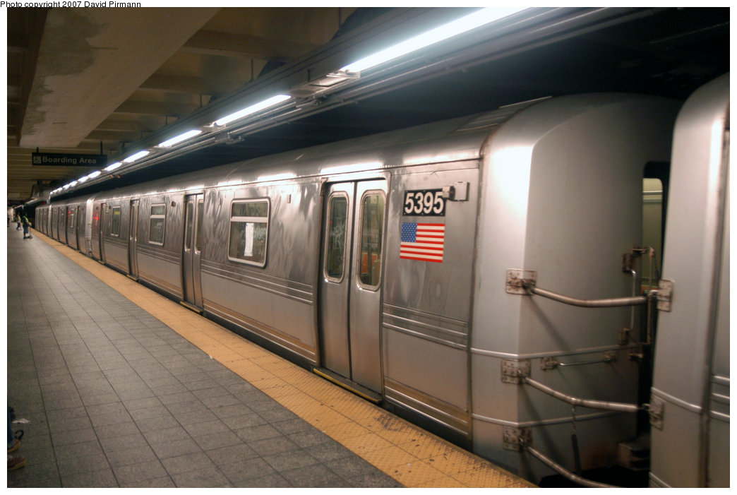 (177k, 1044x701)<br><b>Country:</b> United States<br><b>City:</b> New York<br><b>System:</b> New York City Transit<br><b>Line:</b> IND 8th Avenue Line<br><b>Location:</b> 207th Street <br><b>Route:</b> A<br><b>Car:</b> R-44 (St. Louis, 1971-73) 5395 <br><b>Photo by:</b> David Pirmann<br><b>Date:</b> 9/10/2007<br><b>Viewed (this week/total):</b> 0 / 1003