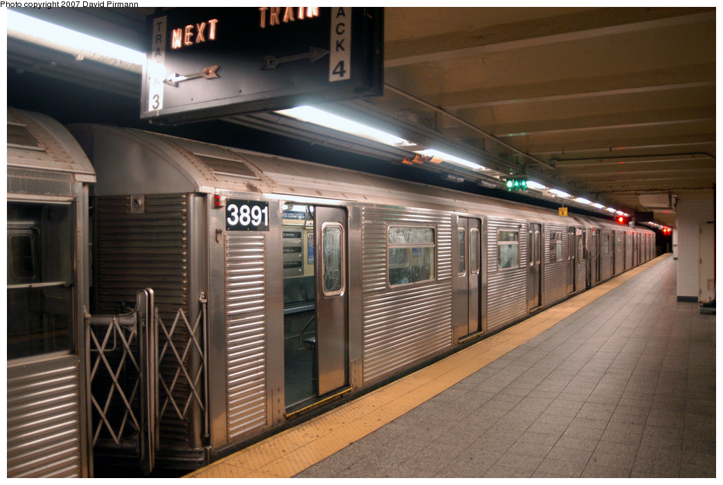 (209k, 1044x701)<br><b>Country:</b> United States<br><b>City:</b> New York<br><b>System:</b> New York City Transit<br><b>Line:</b> IND 8th Avenue Line<br><b>Location:</b> 207th Street <br><b>Route:</b> A<br><b>Car:</b> R-32 (Budd, 1964)  3891 <br><b>Photo by:</b> David Pirmann<br><b>Date:</b> 9/10/2007<br><b>Viewed (this week/total):</b> 1 / 1340