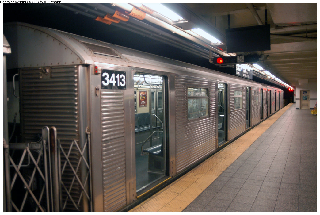 (200k, 1044x701)<br><b>Country:</b> United States<br><b>City:</b> New York<br><b>System:</b> New York City Transit<br><b>Line:</b> IND 8th Avenue Line<br><b>Location:</b> 207th Street <br><b>Route:</b> A<br><b>Car:</b> R-32 (Budd, 1964)  3413 <br><b>Photo by:</b> David Pirmann<br><b>Date:</b> 9/10/2007<br><b>Viewed (this week/total):</b> 0 / 1267