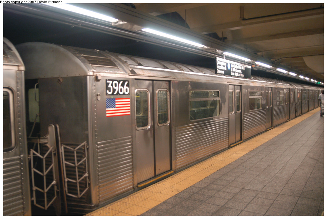 (196k, 1044x701)<br><b>Country:</b> United States<br><b>City:</b> New York<br><b>System:</b> New York City Transit<br><b>Line:</b> IND 8th Avenue Line<br><b>Location:</b> 207th Street <br><b>Route:</b> A<br><b>Car:</b> R-38 (St. Louis, 1966-1967)  3966 <br><b>Photo by:</b> David Pirmann<br><b>Date:</b> 9/10/2007<br><b>Viewed (this week/total):</b> 3 / 1043