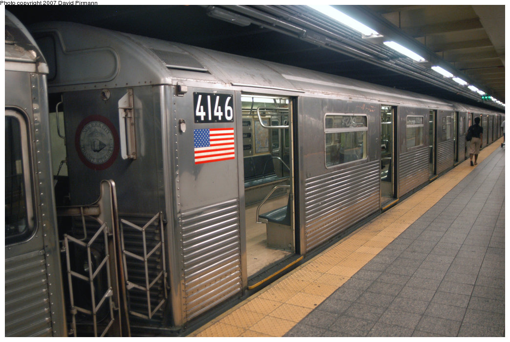(210k, 1044x701)<br><b>Country:</b> United States<br><b>City:</b> New York<br><b>System:</b> New York City Transit<br><b>Line:</b> IND 8th Avenue Line<br><b>Location:</b> 207th Street <br><b>Route:</b> A<br><b>Car:</b> R-38 (St. Louis, 1966-1967)  4146 <br><b>Photo by:</b> David Pirmann<br><b>Date:</b> 9/10/2007<br><b>Viewed (this week/total):</b> 0 / 1099