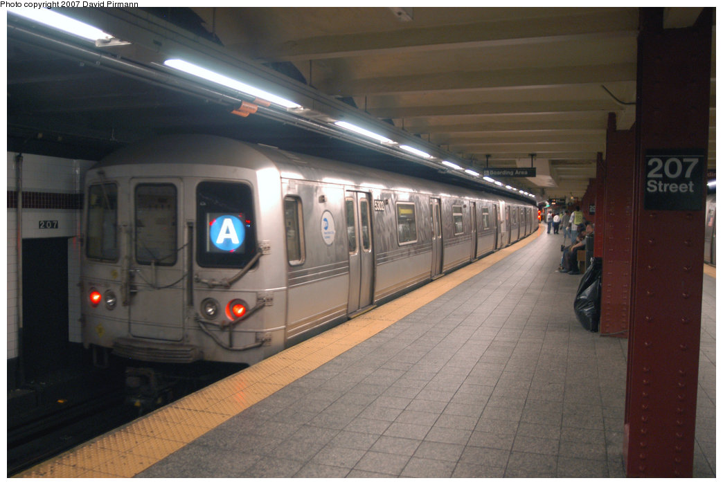 (171k, 1044x701)<br><b>Country:</b> United States<br><b>City:</b> New York<br><b>System:</b> New York City Transit<br><b>Line:</b> IND 8th Avenue Line<br><b>Location:</b> 207th Street <br><b>Route:</b> A<br><b>Car:</b> R-44 (St. Louis, 1971-73) 5302 <br><b>Photo by:</b> David Pirmann<br><b>Date:</b> 9/10/2007<br><b>Viewed (this week/total):</b> 0 / 1201