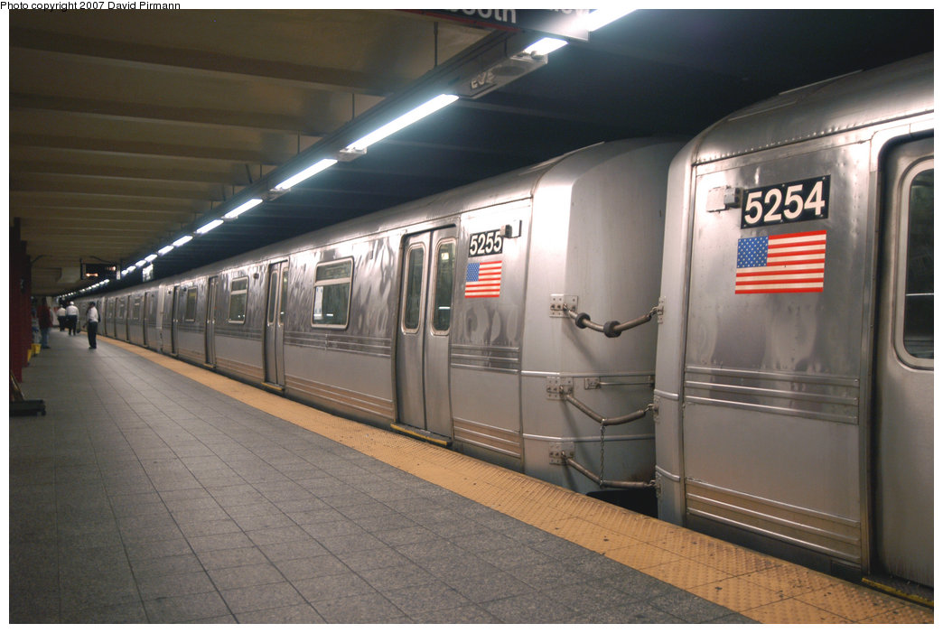 (183k, 1044x701)<br><b>Country:</b> United States<br><b>City:</b> New York<br><b>System:</b> New York City Transit<br><b>Line:</b> IND 8th Avenue Line<br><b>Location:</b> 207th Street <br><b>Route:</b> A<br><b>Car:</b> R-44 (St. Louis, 1971-73) 5255 <br><b>Photo by:</b> David Pirmann<br><b>Date:</b> 9/10/2007<br><b>Viewed (this week/total):</b> 2 / 942