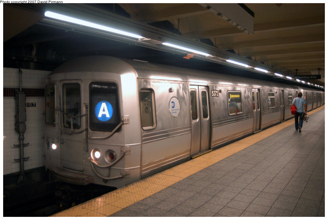 (175k, 1044x701)<br><b>Country:</b> United States<br><b>City:</b> New York<br><b>System:</b> New York City Transit<br><b>Line:</b> IND 8th Avenue Line<br><b>Location:</b> 207th Street <br><b>Route:</b> A<br><b>Car:</b> R-44 (St. Louis, 1971-73) 5372 <br><b>Photo by:</b> David Pirmann<br><b>Date:</b> 9/10/2007<br><b>Viewed (this week/total):</b> 1 / 1178