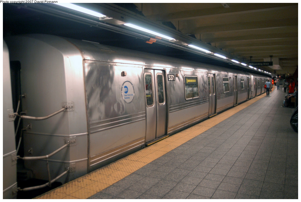 (175k, 1044x701)<br><b>Country:</b> United States<br><b>City:</b> New York<br><b>System:</b> New York City Transit<br><b>Line:</b> IND 8th Avenue Line<br><b>Location:</b> 207th Street <br><b>Route:</b> A<br><b>Car:</b> R-44 (St. Louis, 1971-73) 5371 <br><b>Photo by:</b> David Pirmann<br><b>Date:</b> 9/10/2007<br><b>Viewed (this week/total):</b> 0 / 1620