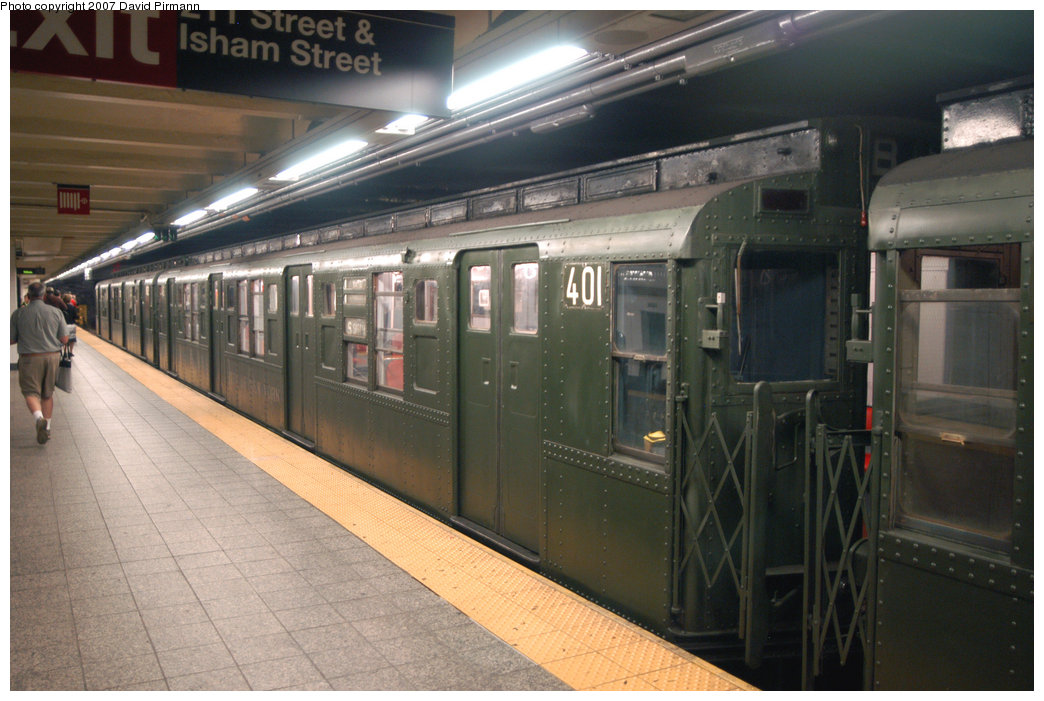 (204k, 1044x701)<br><b>Country:</b> United States<br><b>City:</b> New York<br><b>System:</b> New York City Transit<br><b>Line:</b> IND 8th Avenue Line<br><b>Location:</b> 207th Street <br><b>Route:</b> Fan Trip<br><b>Car:</b> R-4 (American Car & Foundry, 1932-1933) 401 <br><b>Photo by:</b> David Pirmann<br><b>Date:</b> 9/10/2007<br><b>Notes:</b> Train in regular service for the 75th Anniversary of the opening of the A line (technically not a fantrip).<br><b>Viewed (this week/total):</b> 1 / 1114